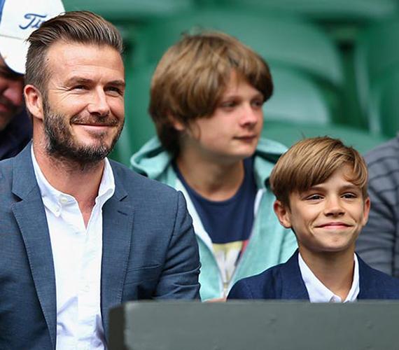 David Beckham tegnap vitte magával a teniszbajnokságra 12 éves fiát, Romeót, akivel láthatóan élvezték a közösen eltöltött apa-fia időt.