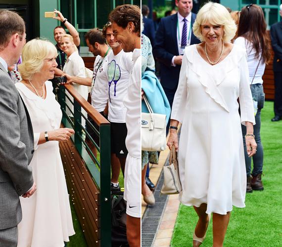 Károly herceg 67 éves felesége, Kamilla cornwalli hercegné még pénteken látogatott ki a wimbledoni bajnokságra, ahol Katalin hercegnő édesanyjával, Carol Middletonnal is találkozott.