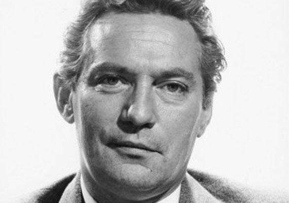 Peter Finch az első színész, akit - 1976-ban - halála után tüntetett ki az Amerikai Filmakadémia a Hálózat főszerepéért. Halálát 60 évesen szívinfarktus okozta, mindössze egy hónappal a díjkiosztó előtt.