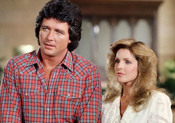 A Dallasban is a szépsége miatt kapott szerepet, ebben a jelenetben sorozatbeli szerelmével, a Patrick Duffy által alakított Bobbyval szerepel.