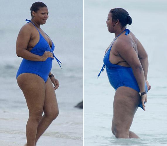 A 41 éves sztár nem zavartatta magát kék fürdőruhájában.
