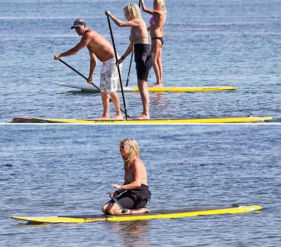 Legutóbb Malibu partjainál kapták lencsevégre, ahol a barátaival evezett.