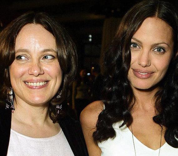 Marchelin Bertrand hosszú, hét és fél évnyi küzdelem után hunyt el petefészekrák következtében. Halálakor jelen volt lánya, Angelina Jolie és annak férje, Brad Pitt is.