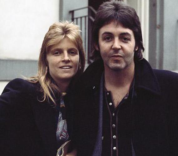 Paul McCartney feleségét, Lindát 1993-ban diagnosztizálták mellrákkal. Öt évig betegeskedett, majd 1998 áprilisában, 56 évesen elhunyt. Szerelmükről 2000-ben film is készült, Mrs. Beatles - Linda McCartney története címmel.