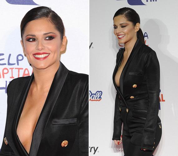 Az X-Factor korábbi zsűritagja, a Girls Aloud énekesnője, Cheryl Cole sem visszafogott megjelenéséről ismert, ezt a merész szettet az egyik londoni rádióállomás rendezvényén viselte.