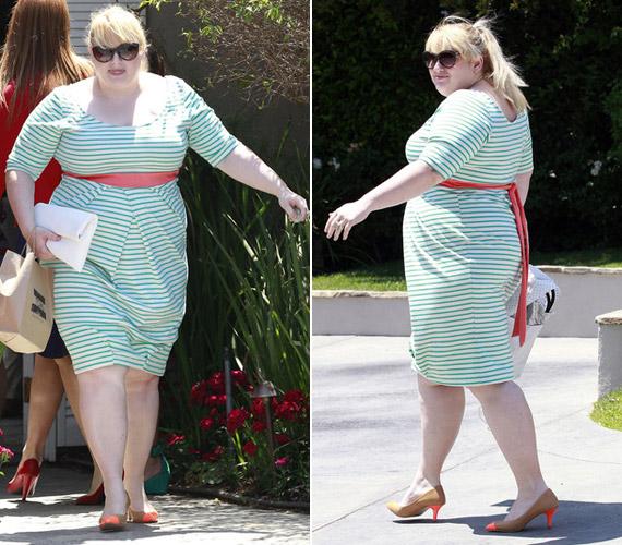A színésznő gyakran öltözködik úgy, mintha nem venne tudomást súlyfeleslegéről.