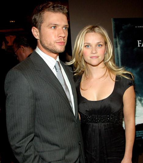 Fiatalon ment férjhez  Egy szülinapi bulin ismerte meg első férjét, Ryan Phillippe-et, akivel a Kegyetlen játékokban együtt is játszottak. Két közös gyerekük ellenére 2006-ban elváltak.