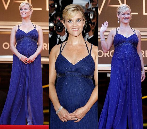 Május 26-án kék, mélyen dekoltált Versace estélyijében Cannes szépe volt.