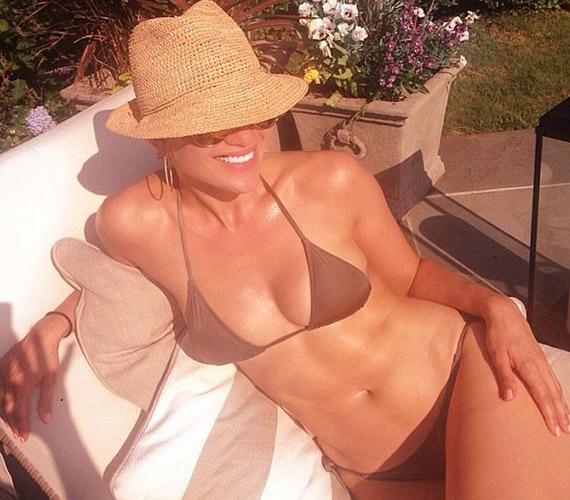 Jennifer Lopez két gyermek után is irigylésre méltó alakkal rendelkezik.