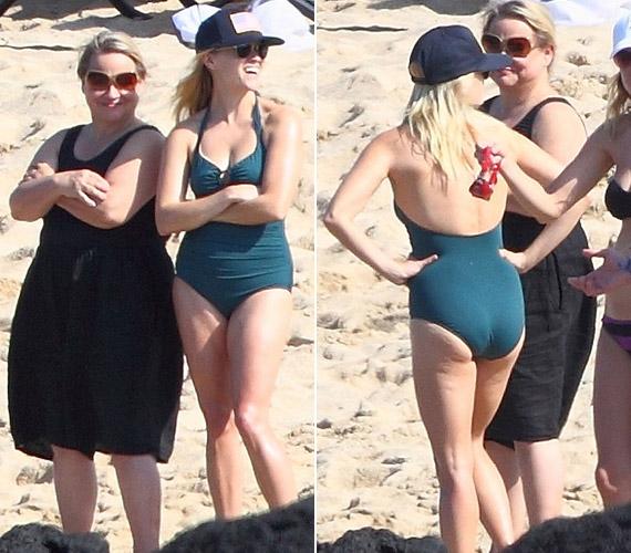 A 35 éves sztár ezúttal bikini helyett egyrészes fürdőruhát választott.