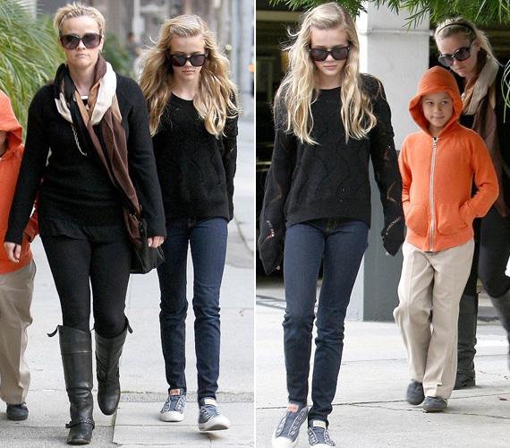 Reese Witherspoon Beverly Hillsben sétált két idősebb gyerekével, amikor ez a fotó készült. Avával nem úgy festenek, minta anya és lánya, inkább mintha ikrek lennének.