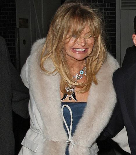 Goldie Hawn                         Goldie Hawn hajnali fél ötkor igencsak összecsúszva távozott a nőnapkor tartott, Annabels elnevezésű jótékonysági gáláról.