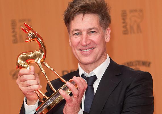 A Bambi-gálán készült róla a legfrissebb fotó, a legjobb színésznek járó díjat vihette haza a Das Zeugenhaus című drámában nyújtott alakításáért.