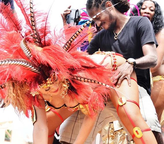 Júniusban Barbados hivatalosan is tiszteletbeli nagykövetté választotta Rihannát, lehet, hogy ezek után megbánják a döntésüket.