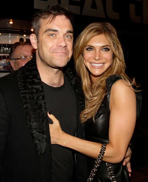 Ha a bíró Robbie Williams egykori személyi asszisztensének ad igazat, az énekes akár milliókat is fizethet felesége magamutogatásáért.