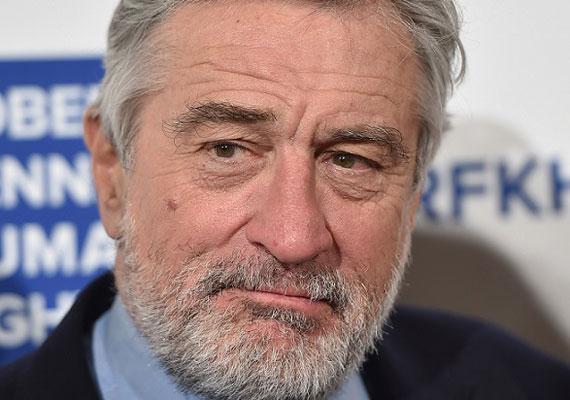 Robert De Nirónak nagyon kell vigyáznia magára. 2003-ban prosztatarákot diagnosztizáltak nála, amelyet sikeresen műtöttek, ám a 72 éves színész jelenleg demenciában szenved, amely főként időskorban alakul ki. Ki tudja, meddig folytathatja így pályafutását.