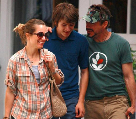 Robert Downey Jr. 2005-ben vette feleségül Susan Levine-t, közös gyermekük érkezését 2012 februárjában várják.