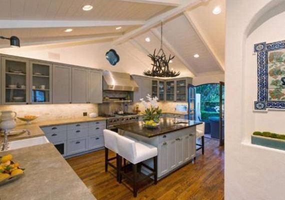 Bár Robert Pattinson nem tud főzni, állítólag egykori kedvese, Kristen Stewart igazi konyhatündér volt.