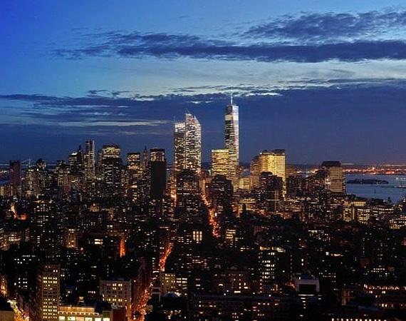 Éjszaka ilyen gyönyörű New York-i látképben gyönyörködhet az, aki megvásárolja az ingatlant.