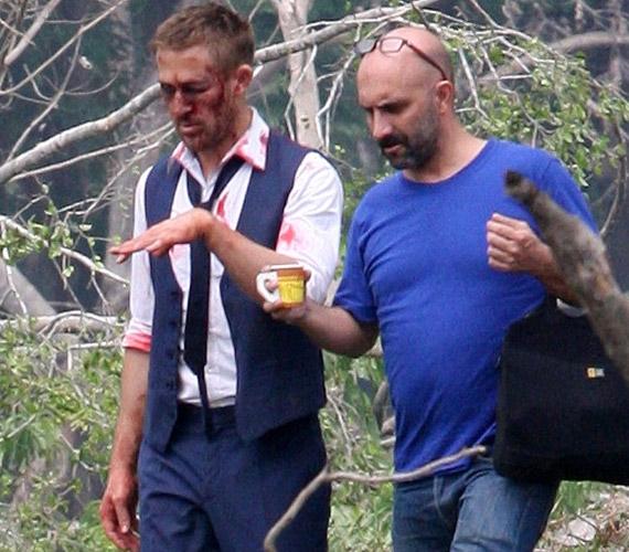 A sármos színészt új filmje, az Only God Forgives forgatásán kapták lencsevégre.