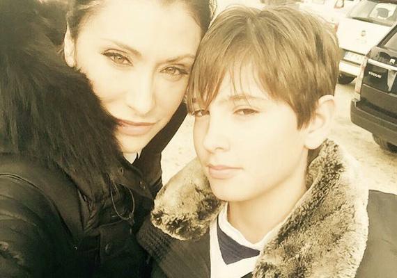 Így hasonlít egymásra anya és fia. Luca bájos vonásait biztosan gyönyörű édesanyjától örökölte, a szemük, az orruk, a szájuk szinte teljesen egyforma.