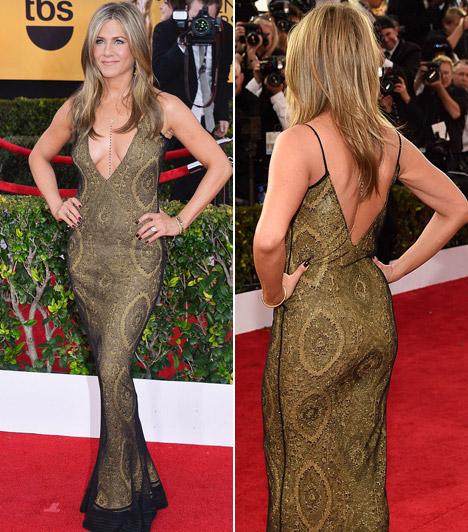 Jennifer Aniston                         A Cake sztárja egy arany vintage John Galliano ruhában pompázott. Ahogy mondta, azonnal beleszeretett a ruhába.
