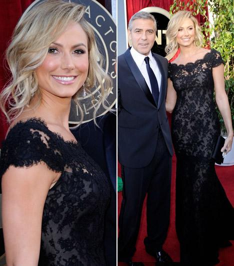 Stacy Keibler  George Clooney barátnője mesésen festett a fekete csipkecsodában, mely a Marchesa divatház munkáját dicséri.  Kapcsolódó cikk: George Clooney ezzel a szőkeséggel vigasztalódik »