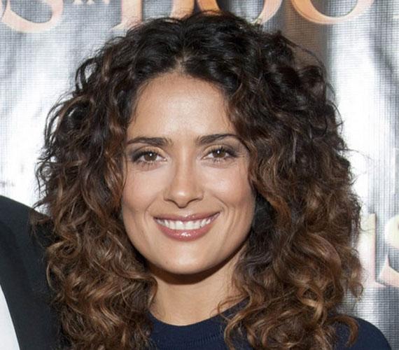 Salma Hayek jelenleg a Savages című filmet forgatja, amelynek rendezője nem más, mint Oliver Stone.