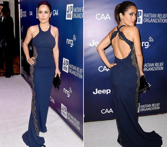 A színésznő büszke nőies idomaira, a kék, testre simuló ruha pedig ki is emelte alakját.