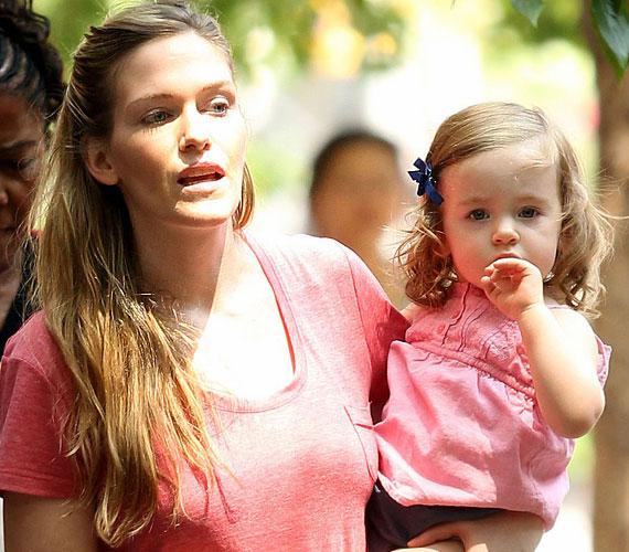 Marion, ahogy ikertestvére is, júniusban lesz kétéves, és egyre inkább látszik rajta, hogy Sarah Jessica vonásait örökölte.