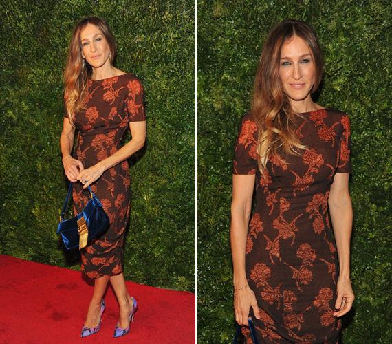 A rózsás ruha remekül állt a modell alkatú színésznőnek.