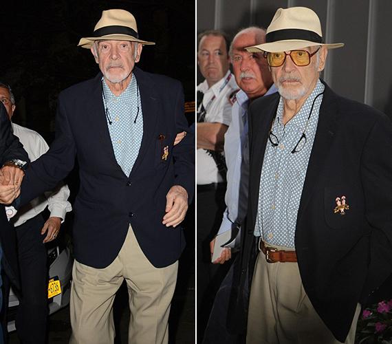 Sean Connery nemrég ünnepelte a 85. születésnapját, de még most is jó egészségnek örvend. Azért a járáshoz már kellett neki némi segítség.