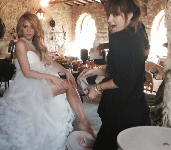 Shakira ruhája gyönyörű volt.