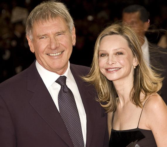 Harrison Ford a nála 22 évvel fiatalabb Calista Flockharttal 2002 óta él együtt, de esküvőre, csak 2010-ben került sor.