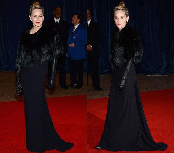 Sharon Stone a földig érő, fekete ruhához ugyanilyen színből készült prémet viselt a vállán. Nem szükséges megmagyarázni, miért hasonlították Szörnyella de Frászhoz.