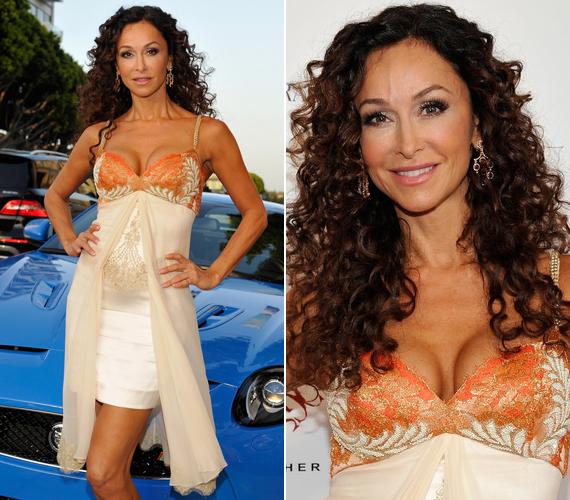 A svájci születésű, olasz apától és görög anyától származó színésznő egy szépségversenyen is elindult, melyet meg is nyert. Ezután gondolta, hogy neki a színpadon kell megtalálni a számításait.