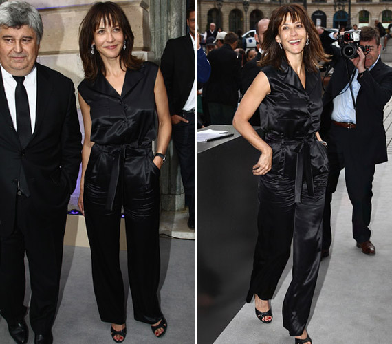 Sophie Marceau földig érő, csillogó fekete selyem nadrágkosztümben érkezett a Chaumet, luxusórákat gyártó cég exkluzív partijára.
