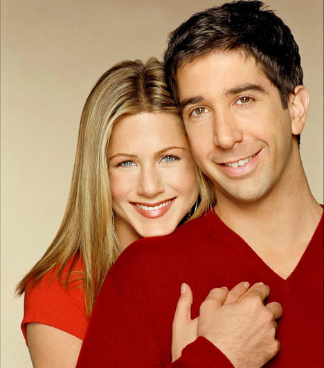 Rachel és Ross - Jóbarátok  Bár Ross gimis kora óta vonzódik Rachelhöz és kétszer meg is nősül, mégis csak két válás után mer nyitni a lány felé, majd a sorozat utolsó évadában megszületik kislányuk, Emma.  Kapcsolódó cikk:  Bőr miniruhában tündökölt Jennifer Aniston az MTV Awards gálán »