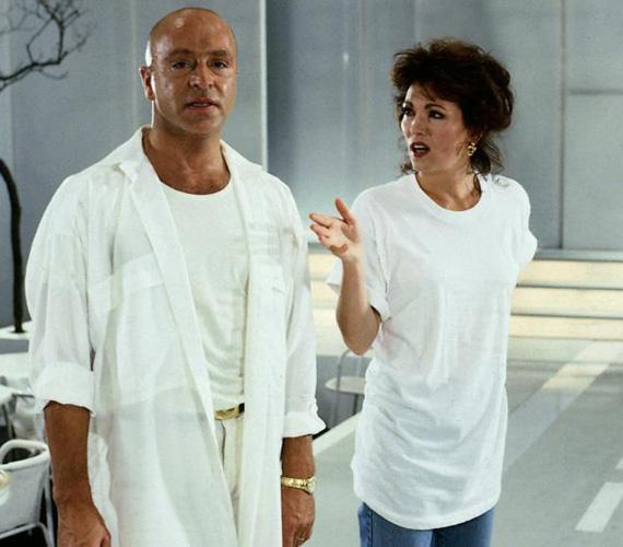 Wilfried Baasner A Guldenburgok öröksége rosszfiúja volt, Achim Lauritzen szerepében imádták utálni a nézők. A színésznek kétségkívül az 1987 és 1990 között forgatott német sorozat hozta meg a népszerűséget, emellett néhány filmben szerepelt még, és színházban is játszott. Élete utolsó éveiben Athénban élt, a források szerint egy helyi kórházban hunyt el 2006-ban, de a halál okát sehol nem árulták el. 66 éves volt.