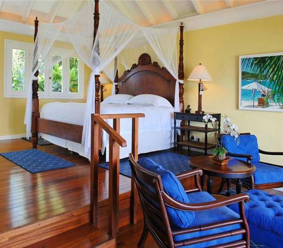 A házban uralkodó színek a kék, a zöld és a sárga, a természet színei - ez látható a hálószobákban is.