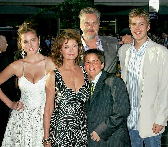 Tim Robbins, A remény rabjai sztárja 1988-ban vette feleségül a színésznőt, két fiuk született, így Evának két féltestvére van.