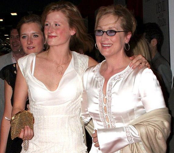 Mamie Gummer, Meryl Streep legidősebb lánya édesapja, a szobrászművész vonásait örökölte.