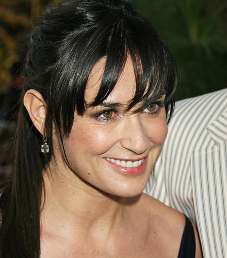 Demi MooreSokáig úgy tűnt, Bruce Willis-szel kötött - egyébként második - házassága örökké tart majd. Ám három közös lányuk - Rumer 1988-as, Scout LaRue 1991-es, Tallulah Belle pedig 1994-es - ellenére 2000-ben elváltak útjaik.Kapcsolódó címke:Demi Moore »