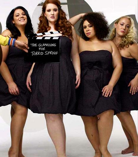 The Glamazons!                         2001-ben alakult a Glamazons nevű formáció, melynek négy túlsúlyos hölgyből áll: Meryl Finger, Sandra May, Laura Johnson és Sarah Orr. Énekes-táncos revüjükkel azt bizonyítják, van élet a zéróméreten túl is. Sikeressé a 2007-es America's Got Talent tehetségkutatón váltak, azóta a tengeren innen és túl is felléptek már.