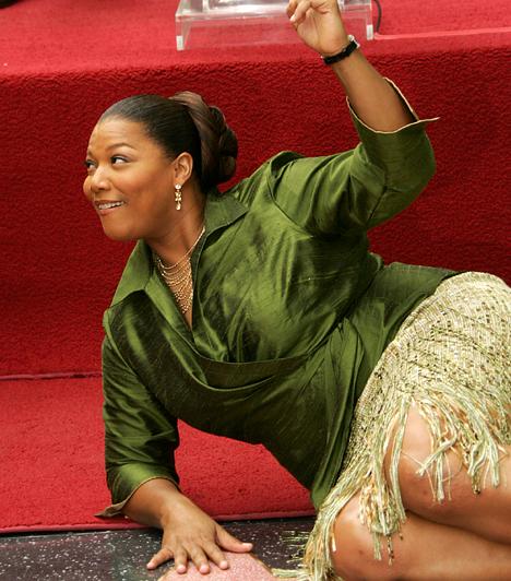 Queen Latifah                         A dundi fekete sztárok közül talán a legismertebb az 1970-es születésű Queen Latifah. Színésznőként - A csontember, Chicago, Míg a jackpot el nem választ - és énekesnőként is megállja a helyét, amit Oscar- és Grammy-jelölései is mutatnak. Bár több alkalommal is összetűzésbe került a hatóságokkal, népszerűségét ez sem csökkentette.