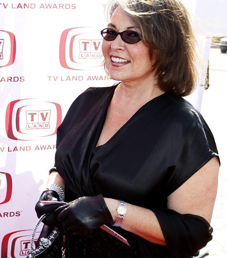 Roseanne BarrAz 1952-es színésznő a dundi sztárok egyik előfutára, aki a nyolcvanas években rendkívüli sikerre tett szert a Roseanne című sorozat főszereplőjeként. Az 1988-tól 1997-ig forgatott szériában - és a valóságban is - a csúfocska sztár fokozatosan egyre nőiesebbé változott, mára pedig igazán szexis asszonnyá vált.