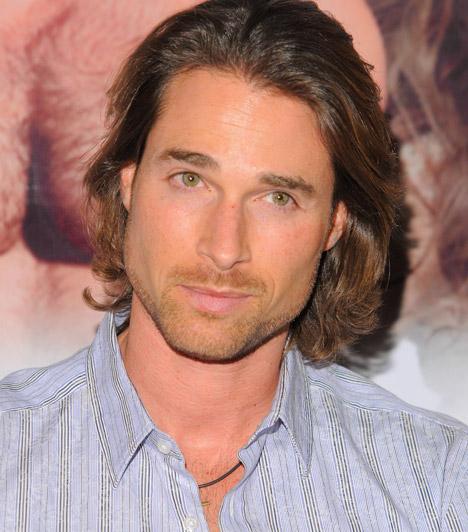 Sebastian RulliAz 1975-ös születésű argentin színész szerepelt többek közt a Teresa, az Időtlen szerelem és a Ki ez a lány? című sorozatokban is.
