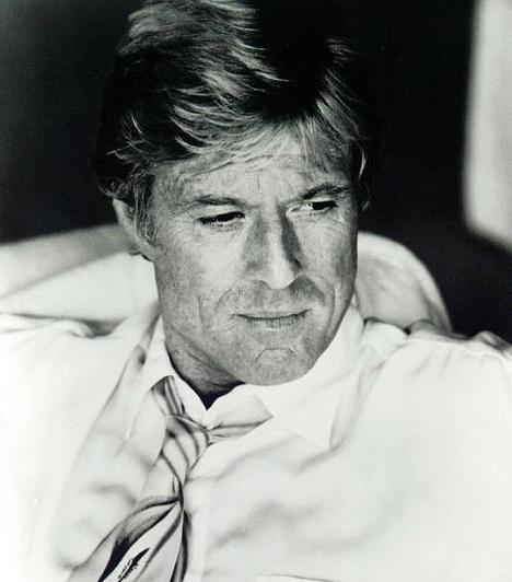 Robert Redford  Az 1936-ban született szőke szívtipró a későbbi barát, Paul Newman felejthetetlen partnere volt a Butch Cassidy és a Sundance kölyökben. Számos sikerfilm sztárja, 1980-ban pedig az Átlagemberekkel rendezőként is debütált. Ugyanebben az évben megalapította a Sundance Intézetet, mely a független filmeseket hivatott segíteni.  Kapcsolódó sztárlexikon: Ilyen volt, ilyen lett: Robert Redford »