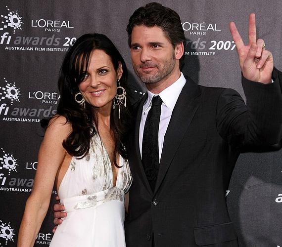 Eric Bana 1995-ben ismerkedett meg Rebecca Gleeson újságíróval, aki az Australia TV csatornánál dolgozott akkoriban. Mivel kapcsolatukat titokban tudták tartani, 1997-ben a színészt a Cleo magazin az év agglegényévé választotta. Bana elérkezettnek látta az időt, hogy megkérje a barátnője kezét, így nem sokáig élvezhette a címet, még abban az évben összeházasodtak. Két gyermekük van, Klaus és Sophie.
