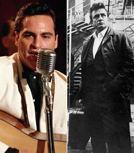 Joaquin Phoenix  A kultikus énekes-dalszerző Johnny Cash bőrébe Joaquin Phoenix bújt a 2005-ös A nyughatatlan című drámában, melynek érdekessége, hogy a filmben hallható Cash-nótákat kivétel nélkül Phoenix énekelte.  Kapcsolódó címke: Joaquin Phoenix »